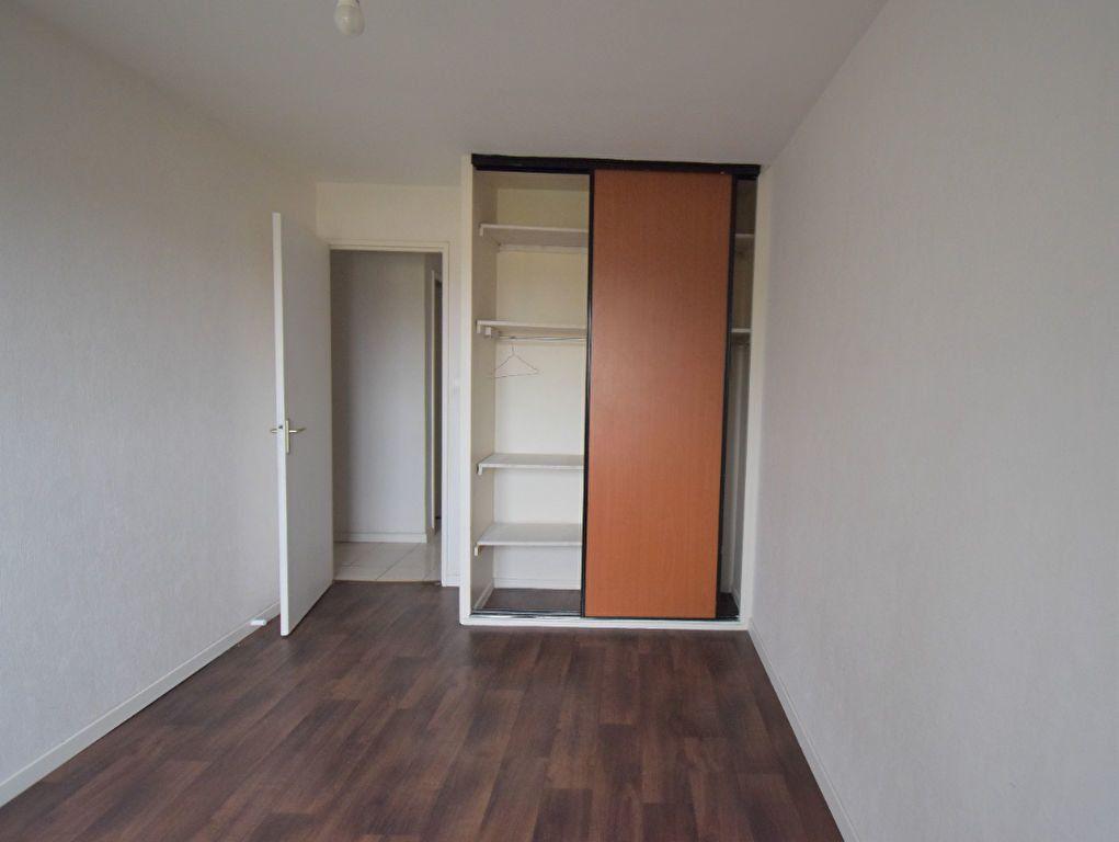 Appartement à louer 4 65.65m2 à Vénissieux vignette-9