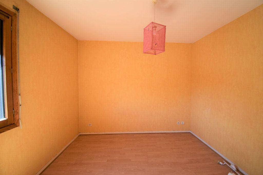 Appartement à louer 4 74.34m2 à Lyon 3 vignette-9