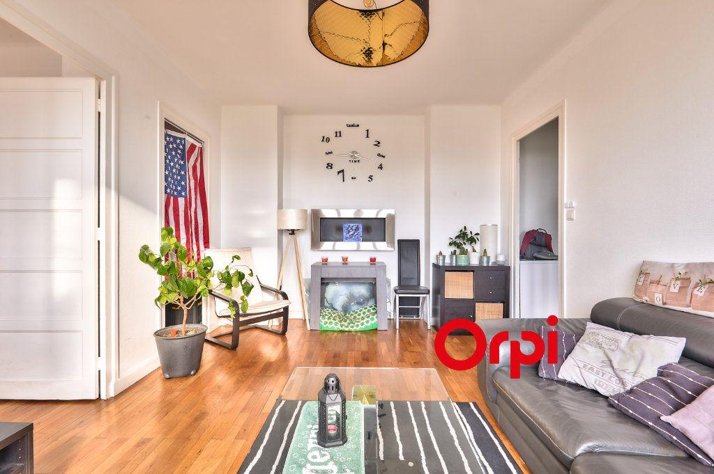 Appartement à vendre 2 55.04m2 à Lyon 8 vignette-5