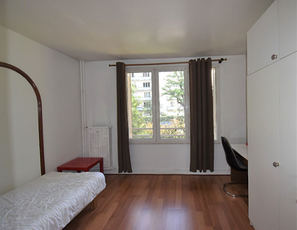 Appartement à louer 4 61.07m2 à Lyon 8 vignette-1