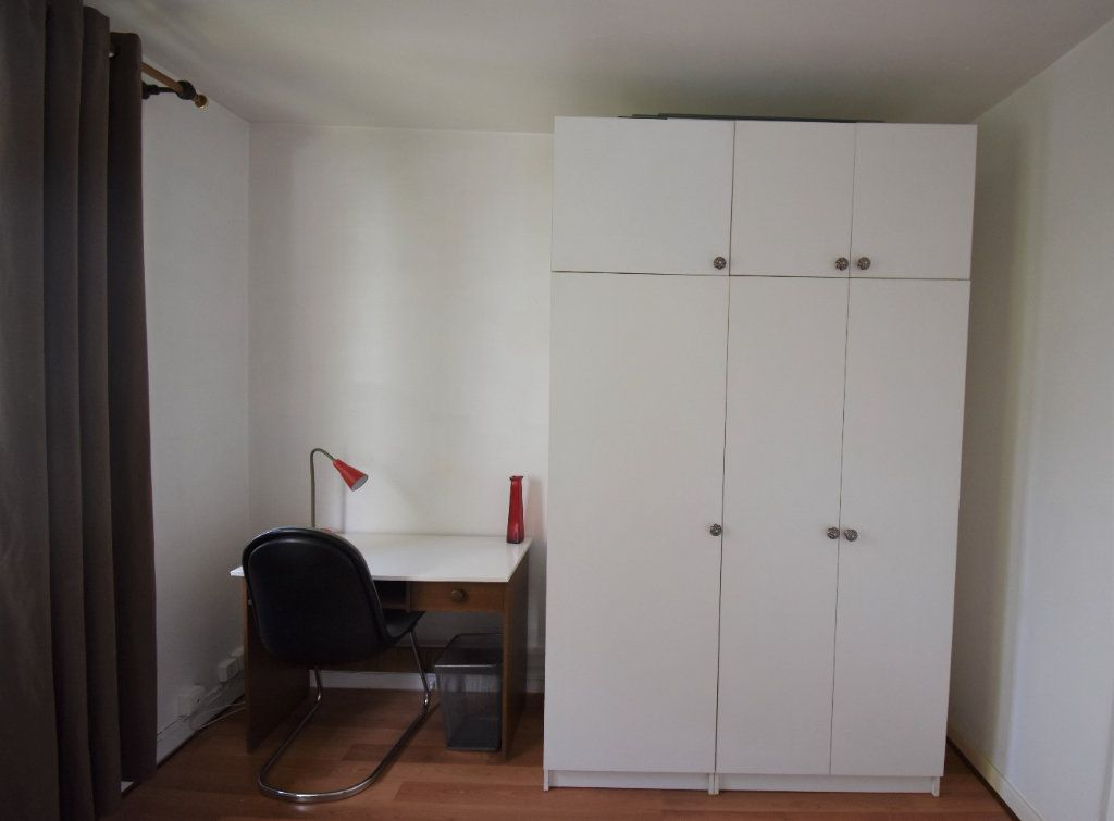 Appartement à louer 4 61.07m2 à Lyon 8 vignette-3