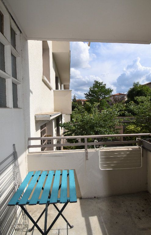 Appartement à louer 4 61.07m2 à Lyon 8 vignette-7
