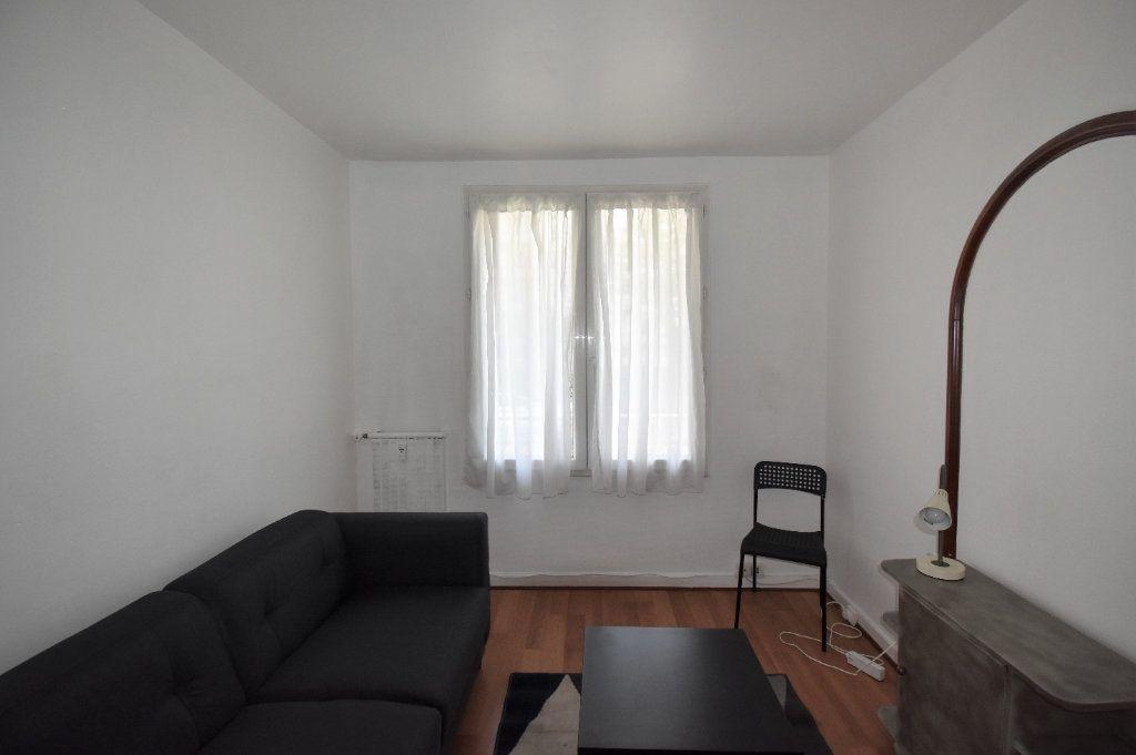 Appartement à louer 4 61.07m2 à Lyon 8 vignette-10