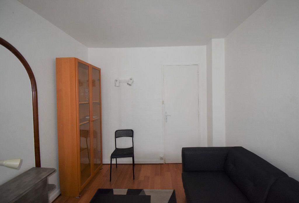 Appartement à louer 4 61.07m2 à Lyon 8 vignette-11