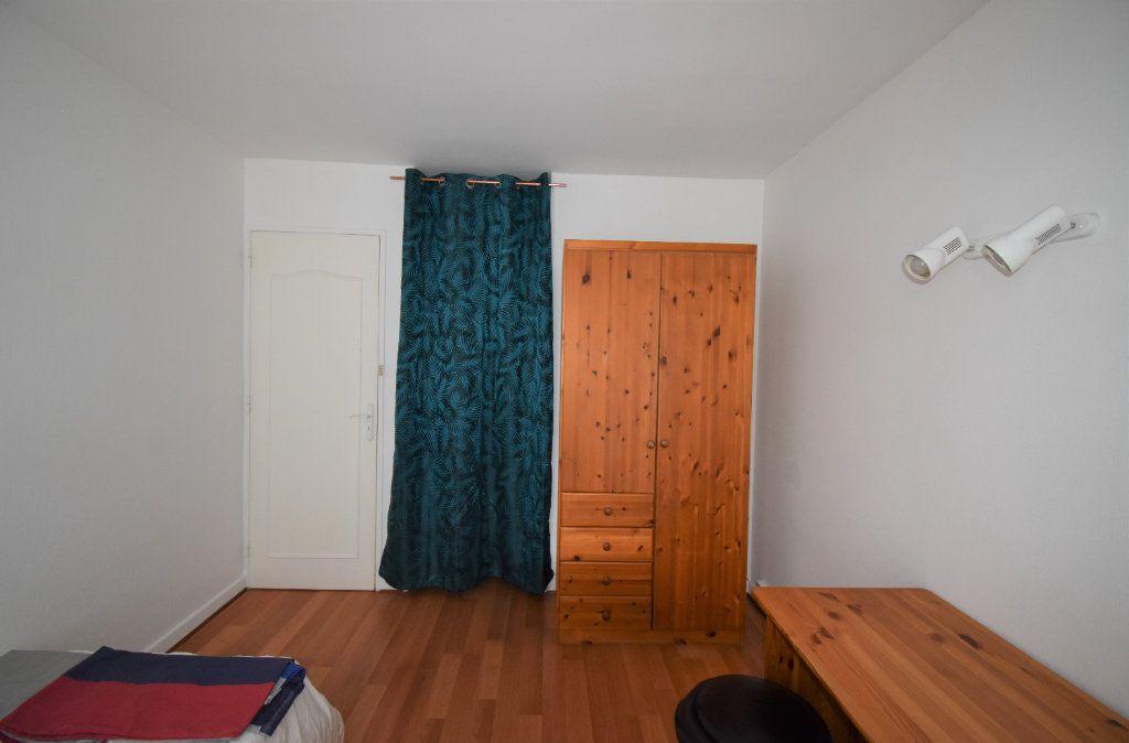 Appartement à louer 4 61.07m2 à Lyon 8 vignette-15