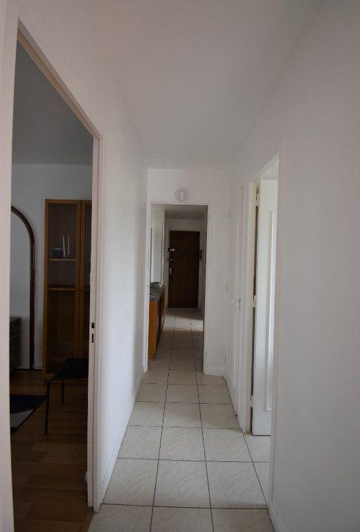 Appartement à louer 4 61.07m2 à Lyon 8 vignette-16