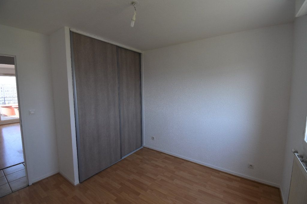 Appartement à louer 4 80m2 à Lyon 8 vignette-5