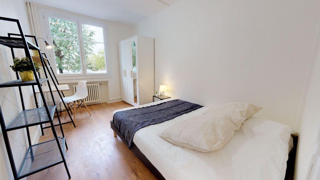 Appartement à vendre 4 49m2 à Lyon 8 vignette-2
