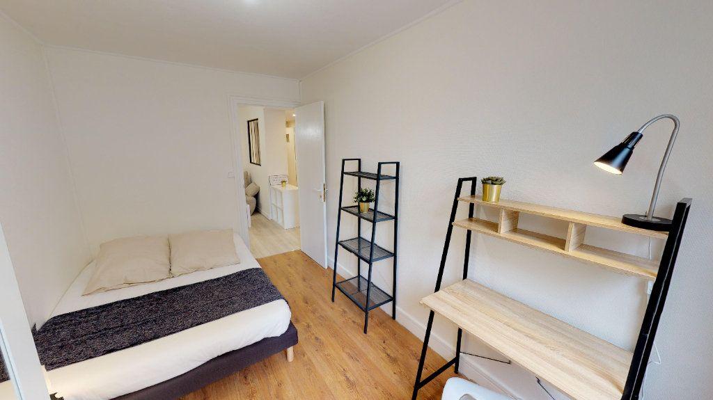 Appartement à vendre 4 49m2 à Lyon 8 vignette-3