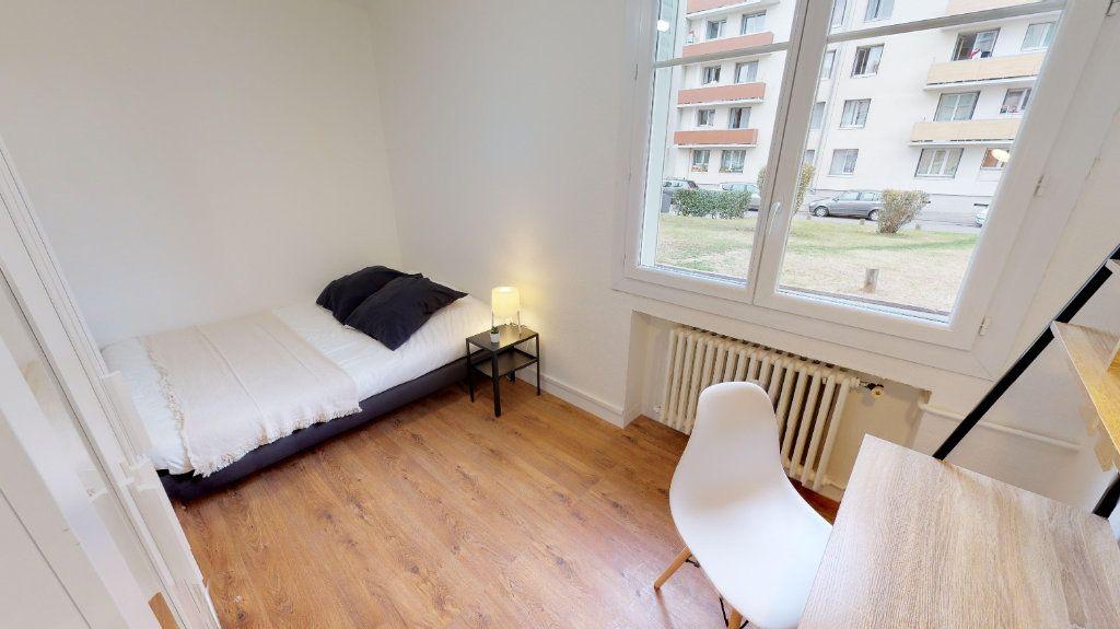 Appartement à vendre 4 49m2 à Lyon 8 vignette-4