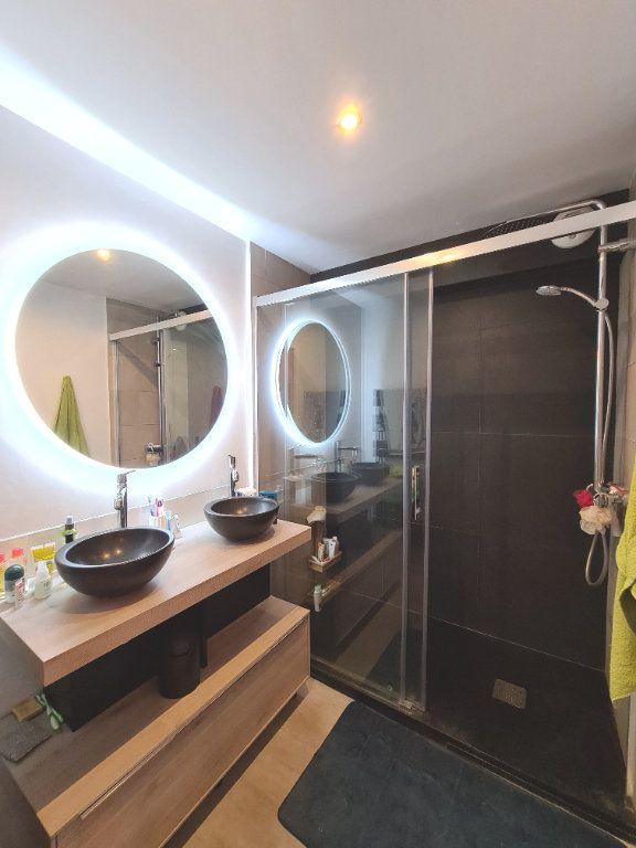 Appartement à vendre 4 80.18m2 à Lyon 3 vignette-6