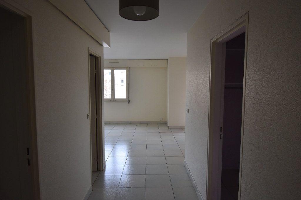 Appartement à louer 2 48.79m2 à Lyon 8 vignette-5