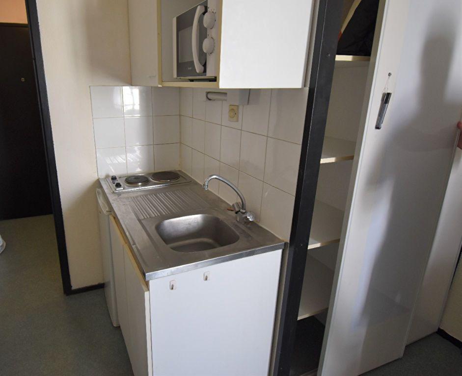 Appartement à louer 1 18m2 à Lyon 3 vignette-4