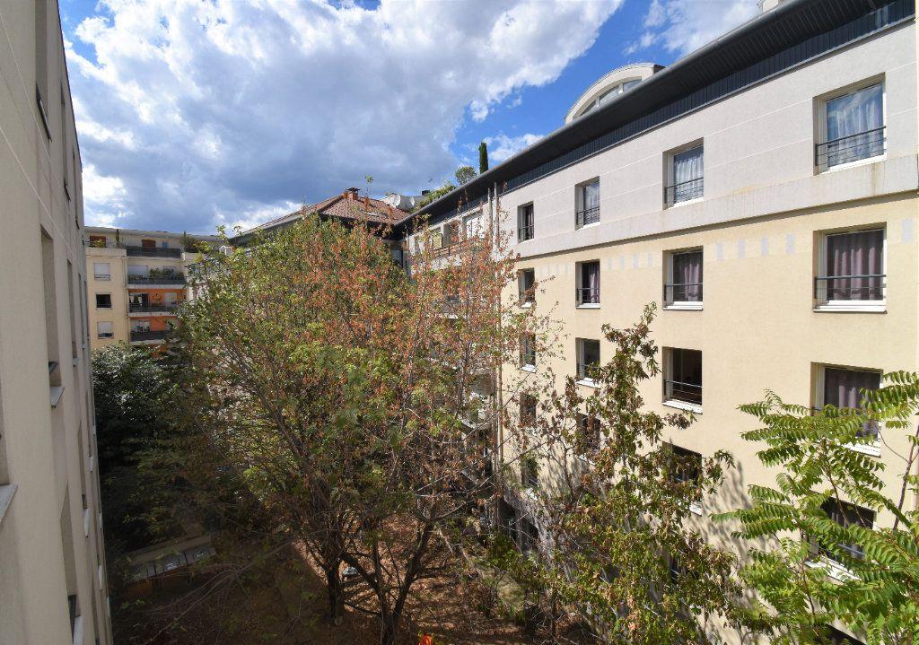 Appartement à louer 1 18m2 à Lyon 3 vignette-7
