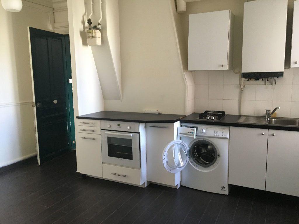 Appartement à louer 3 43m2 à Paris 14 vignette-2