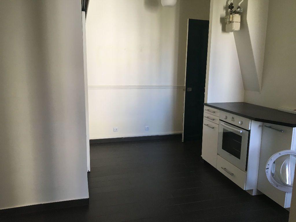 Appartement à louer 3 43m2 à Paris 14 vignette-3
