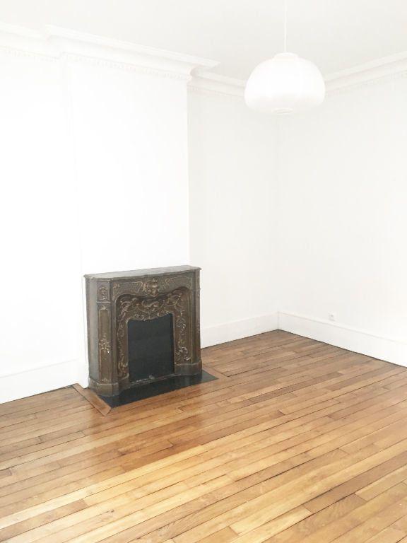 Appartement à louer 3 43m2 à Paris 14 vignette-7