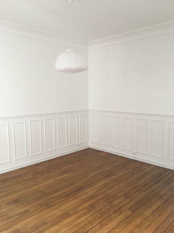 Appartement à louer 3 43m2 à Paris 14 vignette-9