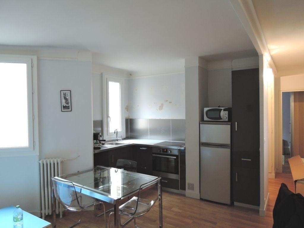 Appartement à louer 2 45m2 à Paris 20 vignette-1