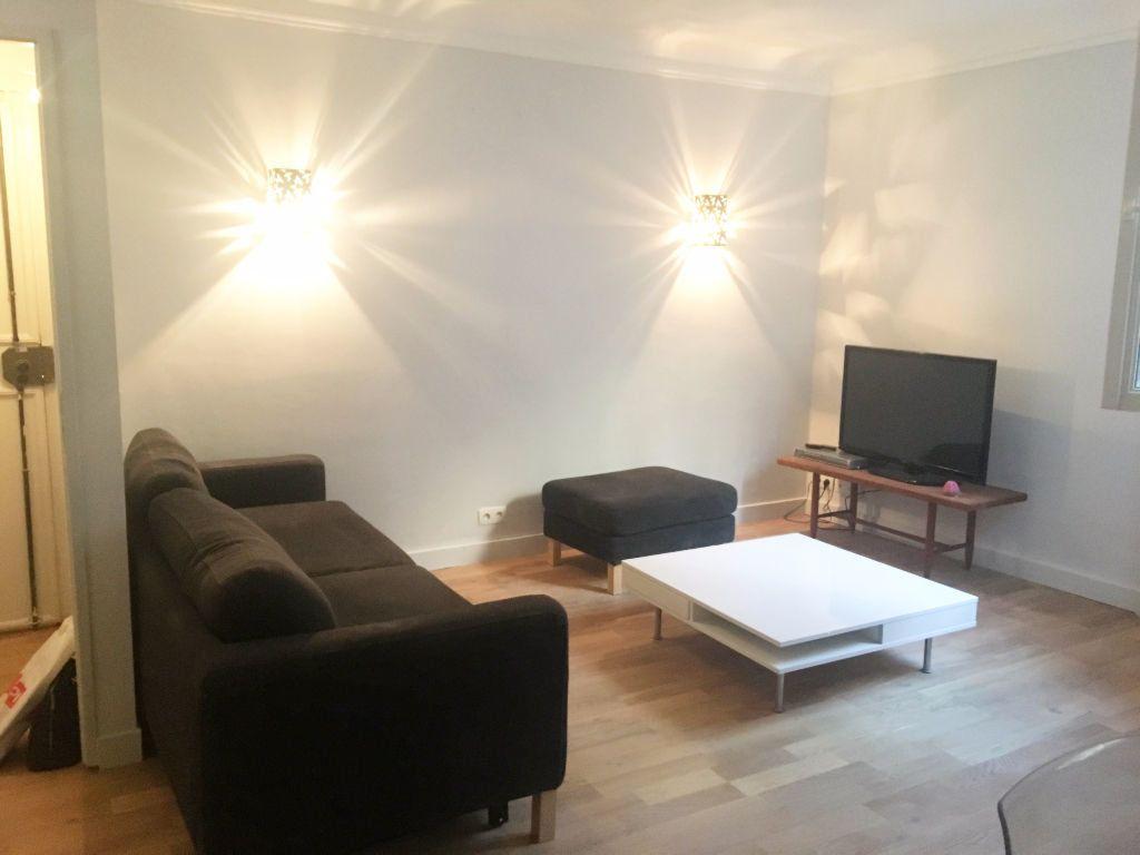 Appartement à louer 2 45m2 à Paris 20 vignette-2