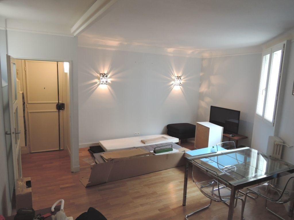 Appartement à louer 2 45m2 à Paris 20 vignette-8