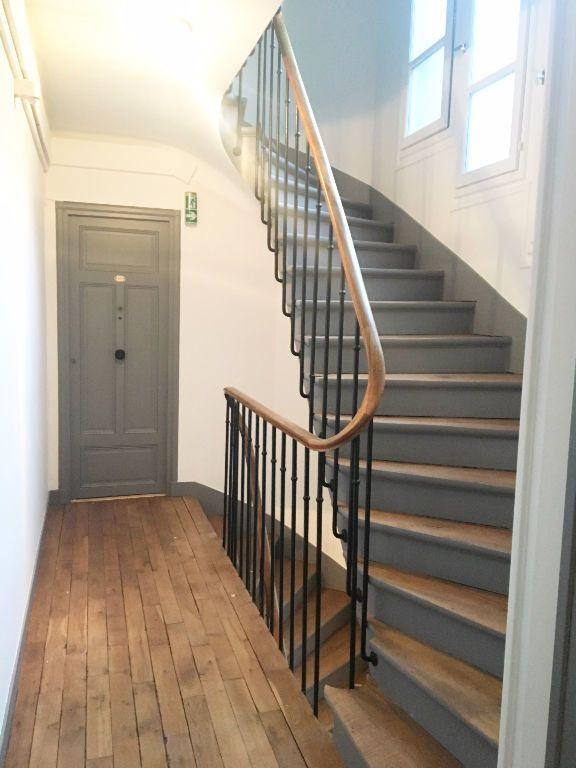 Appartement à louer 2 45m2 à Paris 20 vignette-10