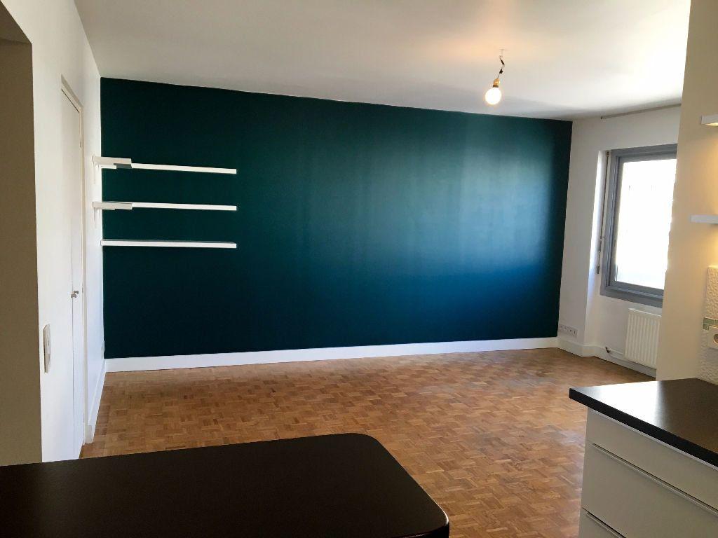 Appartement à louer 2 40.65m2 à Paris 11 vignette-1