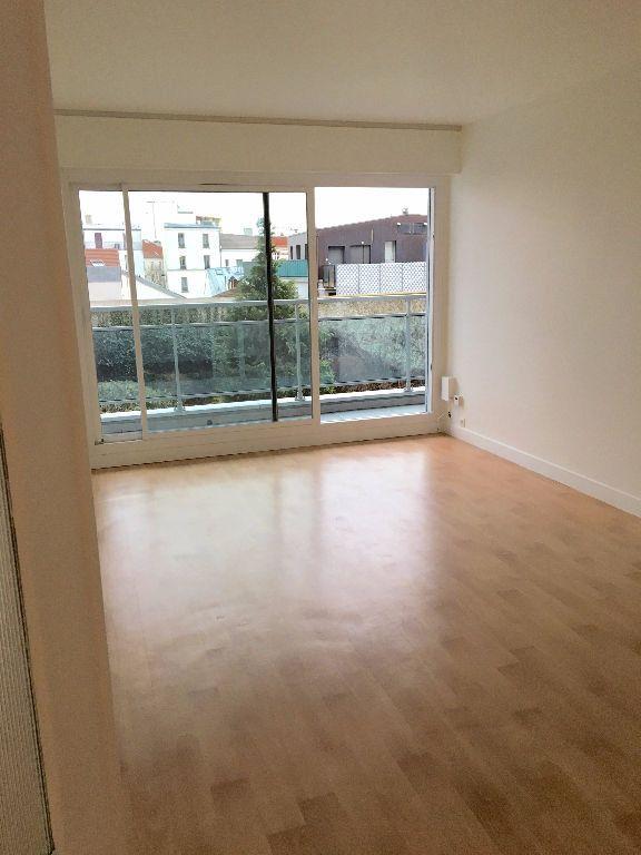 Appartement à louer 2 48.91m2 à Paris 20 vignette-1
