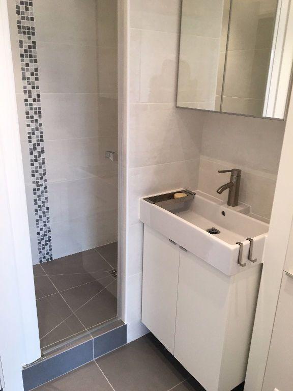 Appartement à louer 2 48.91m2 à Paris 20 vignette-9