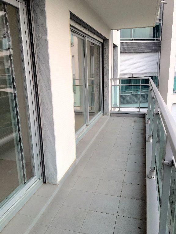 Appartement à louer 2 48.91m2 à Paris 20 vignette-12