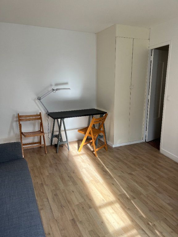 Appartement à louer 1 21.54m2 à Paris 20 vignette-3