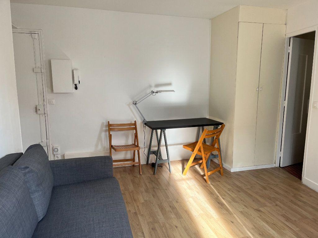 Appartement à louer 1 21.54m2 à Paris 20 vignette-4