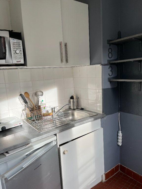 Appartement à louer 1 21.54m2 à Paris 20 vignette-5