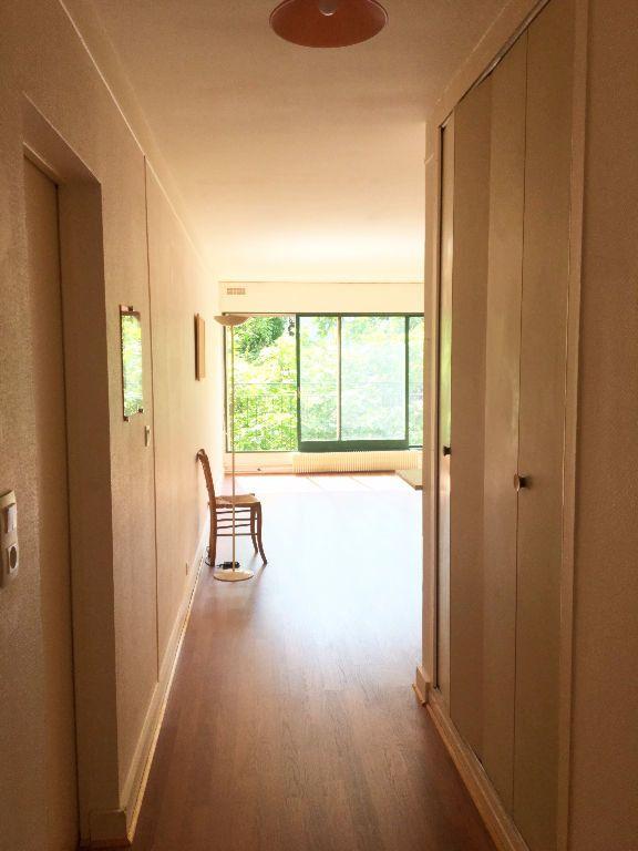 Appartement à louer 1 28m2 à Paris 11 vignette-3