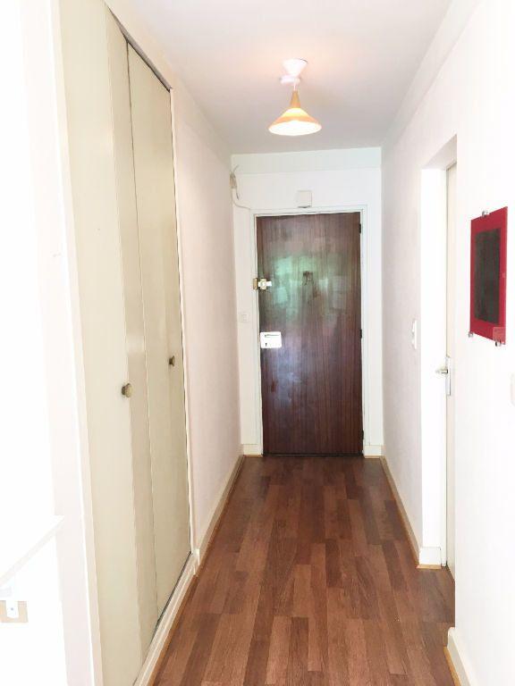 Appartement à louer 1 28m2 à Paris 11 vignette-11