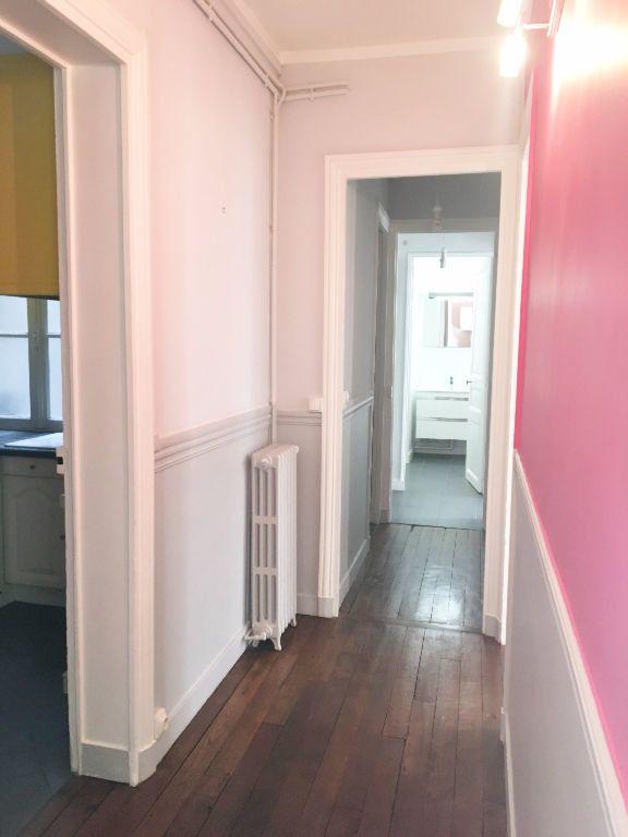 Appartement à louer 3 63.64m2 à Paris 11 vignette-2