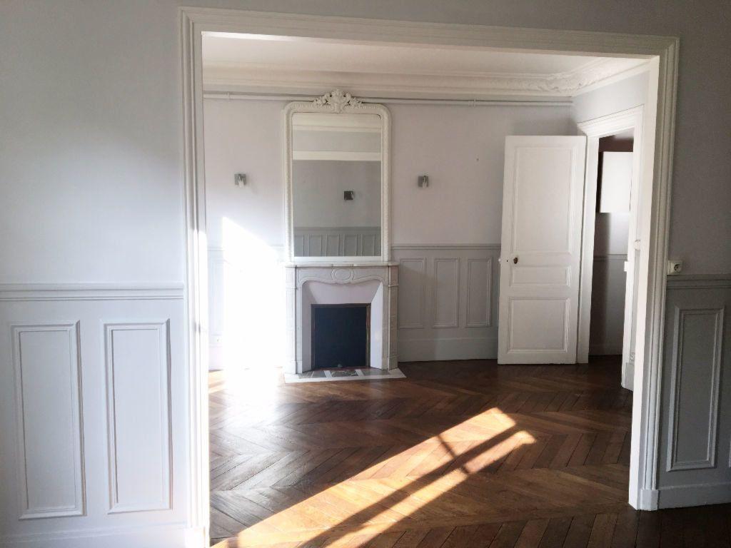 Appartement à louer 2 63.64m2 à Paris 11 vignette-3