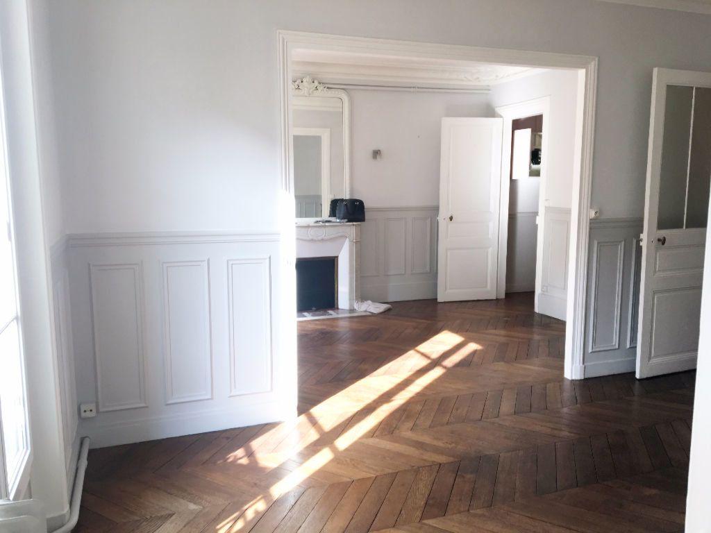 Appartement à louer 3 63.64m2 à Paris 11 vignette-7