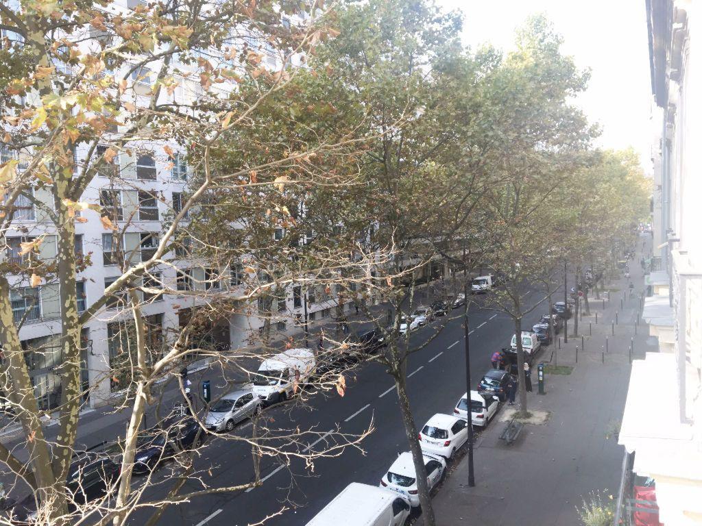 Appartement à louer 2 63.64m2 à Paris 11 vignette-11