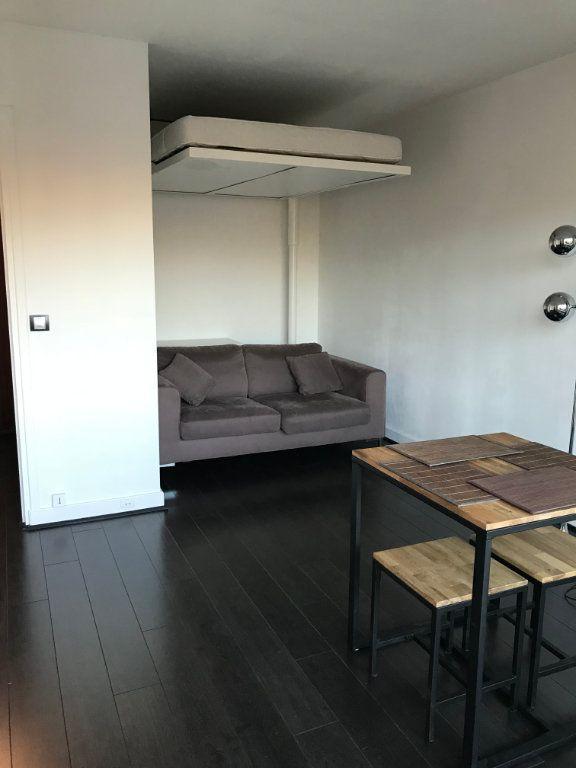 Appartement à louer 1 26.01m2 à Paris 20 vignette-3