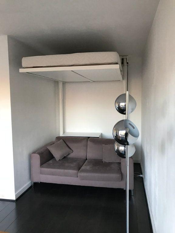 Appartement à louer 1 26.01m2 à Paris 20 vignette-5