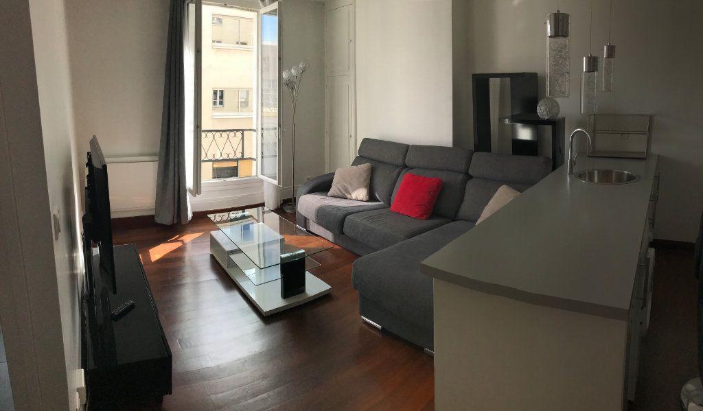 Appartement à louer 2 37.29m2 à Paris 11 vignette-1