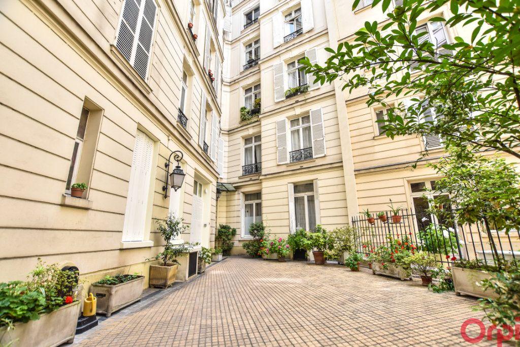 Appartement à vendre 1 9m2 à Paris 17 vignette-1