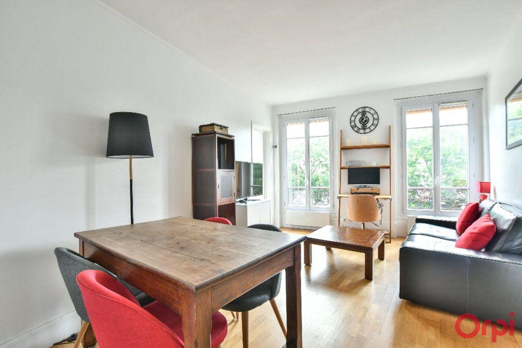 Appartement à vendre 3 50m2 à Paris 11 vignette-1