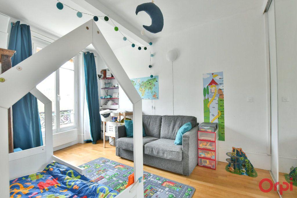 Appartement à vendre 3 50m2 à Paris 11 vignette-4