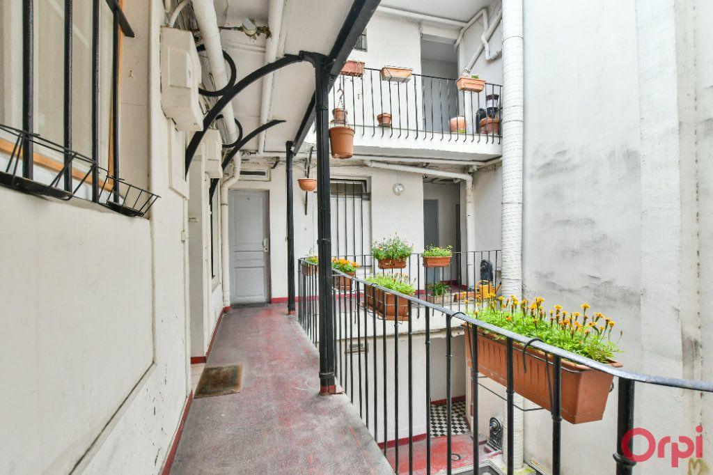 Appartement à vendre 3 50m2 à Paris 11 vignette-10