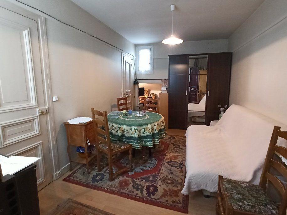 Appartement à vendre 1 19m2 à Paris 20 vignette-2