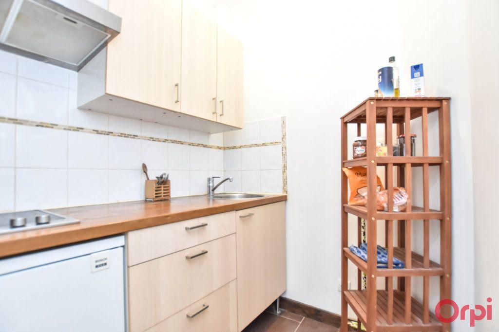 Appartement à vendre 2 36m2 à Paris 18 vignette-3