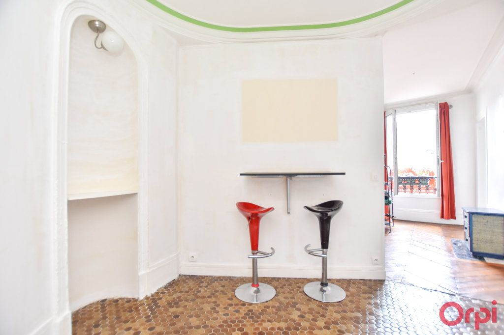 Appartement à vendre 2 36m2 à Paris 18 vignette-4