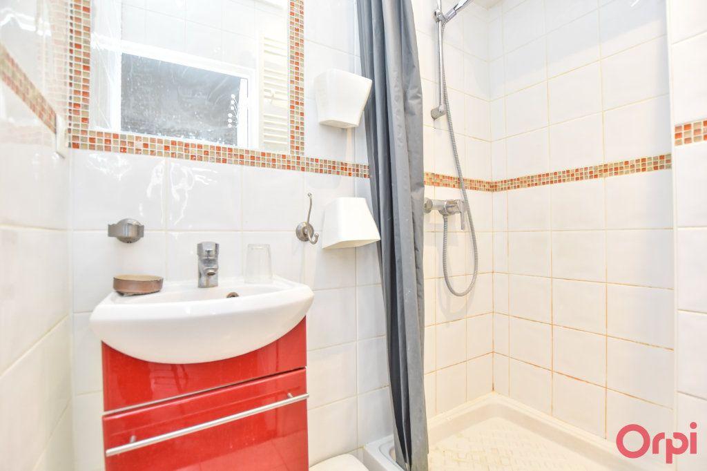 Appartement à vendre 2 36m2 à Paris 18 vignette-7